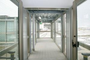 マツダドライビングスクール 渡り廊下